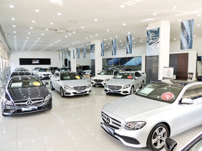 S33_Yongdap_certified_usedcar_showroom_interior.jpg